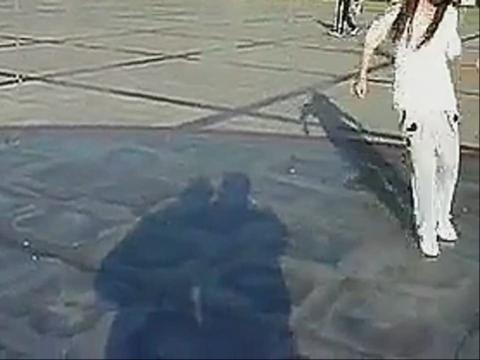 天津街舞美女跳鬼步舞视频