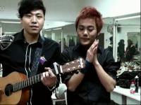 吉他弹唱 海阔天空郝浩涵和米艾