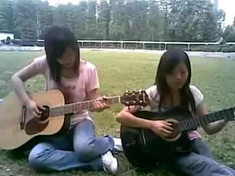 美女吉他弹唱 武汉女生