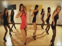 时长:03:33 3 美女热舞