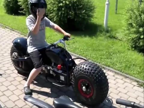 蝙蝠侠摩托车设计图展示