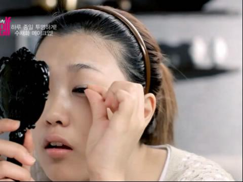 韩国女孩 化妆技巧眼睛放大术