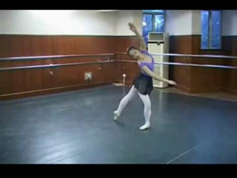 女芭蕾舞基本训练[畅版
