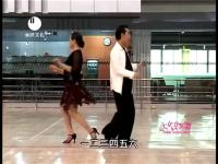 韩国美女组合姐妹花火辣热舞演绎