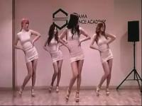 诱惑极品韩国超短裙美女