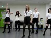 可爱黑丝袜美女性感热舞