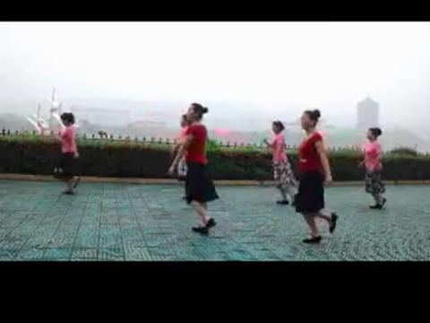 广场舞 路灯下的小 女孩 293x220-路灯下的小苦娘广场舞图片