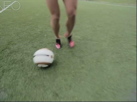 美国女足天后alex morgan的健身运动