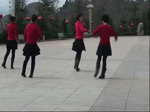美女广场舞天堂岛