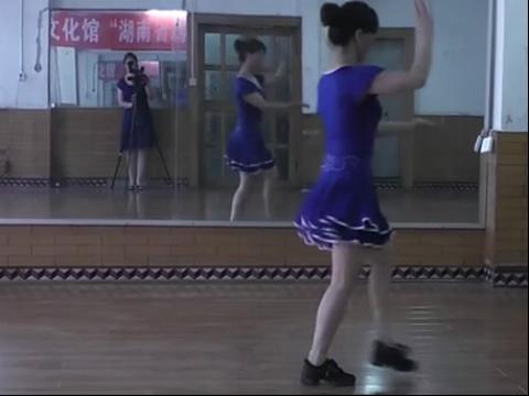 美女广场舞11 在线观看