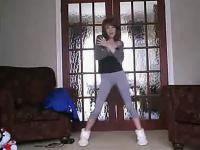 长腿美女可爱自拍热舞