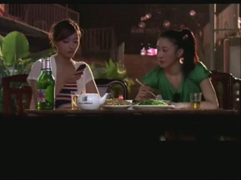 美女上演微电影最强床戏吻戏片段