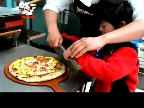 成俊学做披萨有声花絮(爸爸你去哪儿)