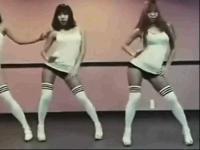 韩国美女卧室秀热舞