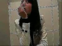 搞笑视频 美女上厕所忘记带厕纸