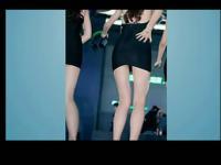 街拍:清凉夏日街拍超短裙系列美女街拍视频