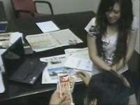 女秘书办公室和领导偷情全过程被监控拍下