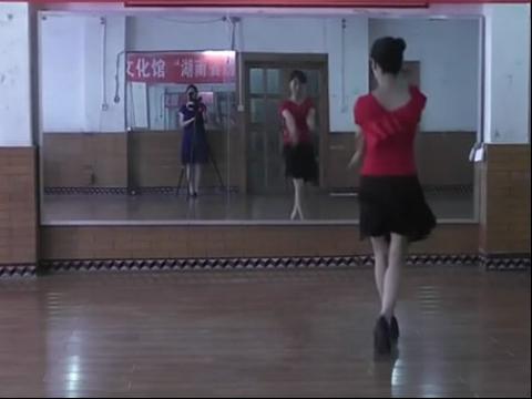 美女广场舞22 在线观看