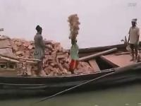 PPS视频:开挂牛人无处不在,看看人家怎么搬砖的,震惊!!