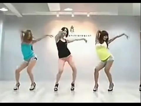 视频来自:pps视频 【安庆爵士舞】培训,简单易学的爵士舞蹈