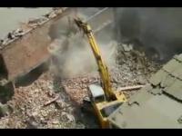 美女开挖掘机视频 在线观看