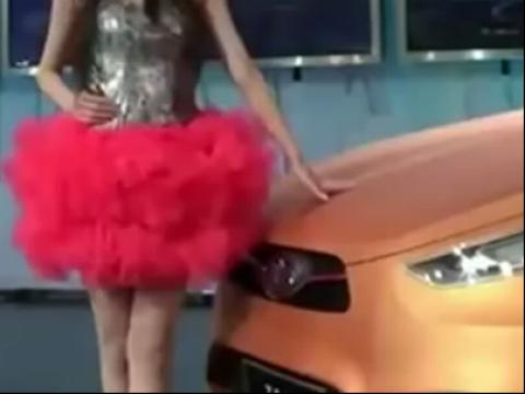 美女 美女热舞 美脚 极品性感车模