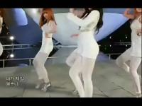 韩国性感美女组合4minute白色紧身齐臂短裙喷血热
