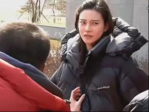 视频: 2011MBC《豪门(皇室)》0315官网拍摄花絮